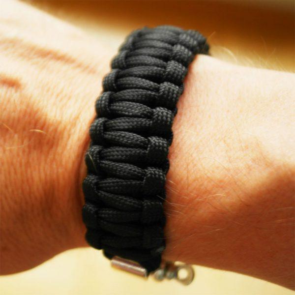 maenner survival segel armband schwarz