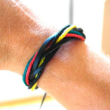 surferarmband red gold green rasta arm