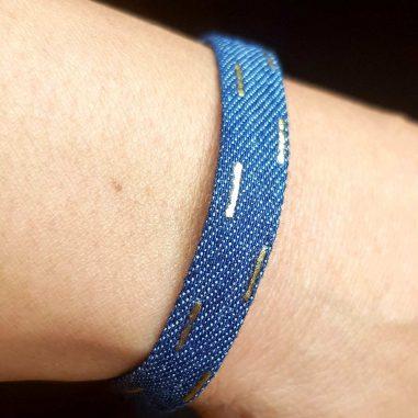 jeans armband dunkelblau gold striche